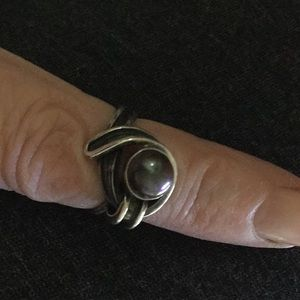 Jewelry - Grey Pearl Vintage Sterling Silver Ring